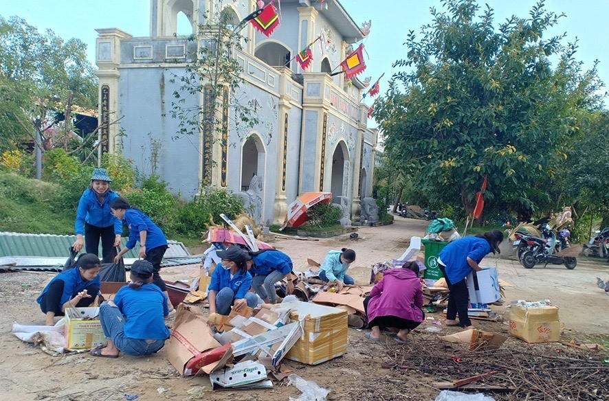 Gần 100 đoàn viên thanh niên tham gia lao động dọn vệ sinh ...