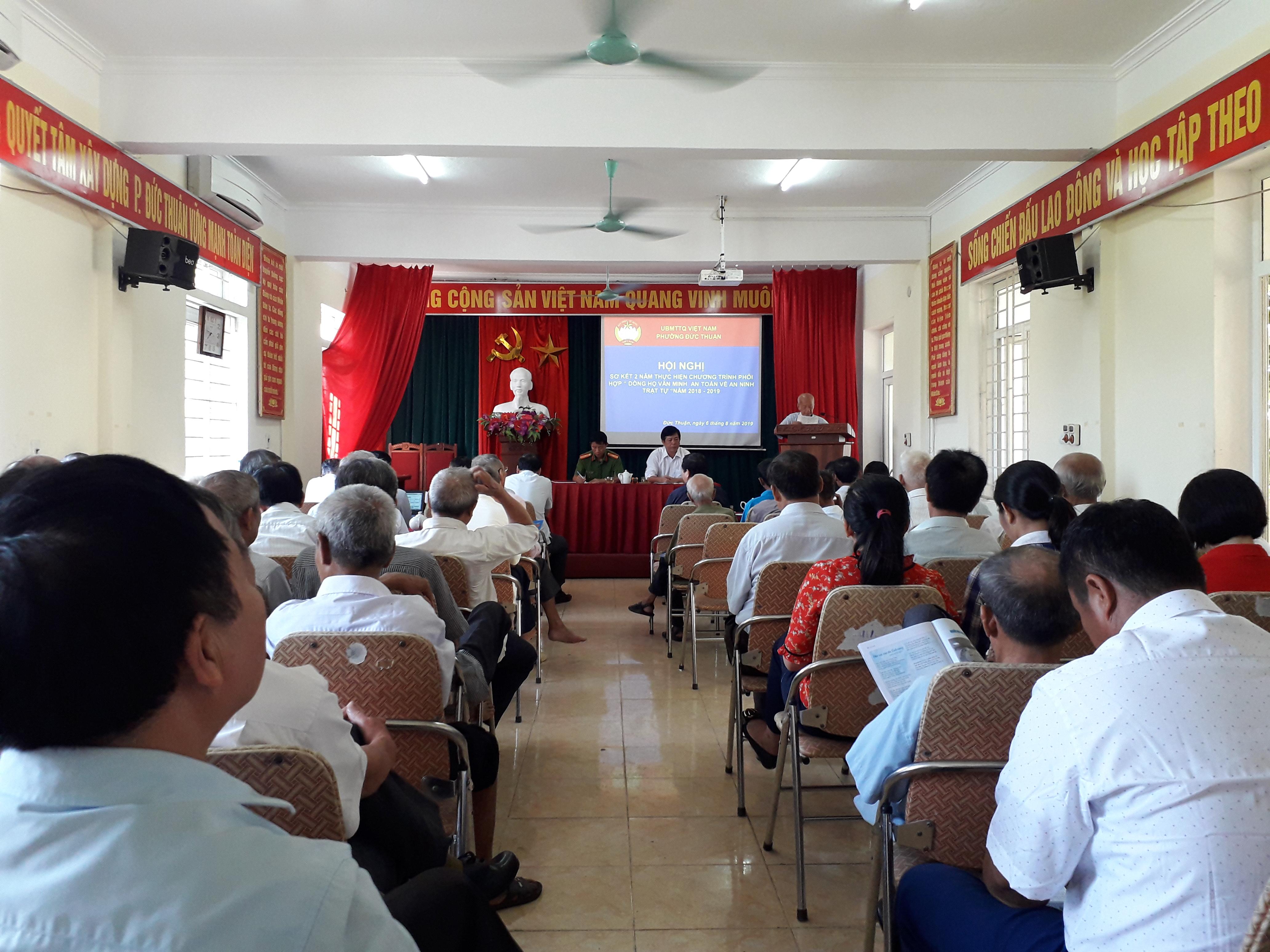 Sơ kết 2 năm thực hiện phong trào xây dựng dòng họ văn minh - an toàn về an ninh trật tự ở phường Đức Thuận và xã Thuận Lộc