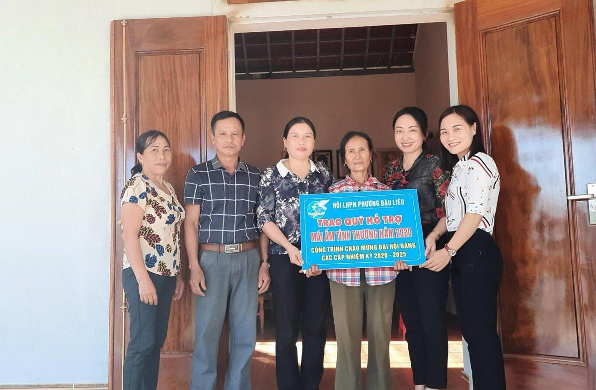 Hội LHPN phường Đậu Liêu trao mái ấm tình thương cho phụ nữ nghèo năm 2020